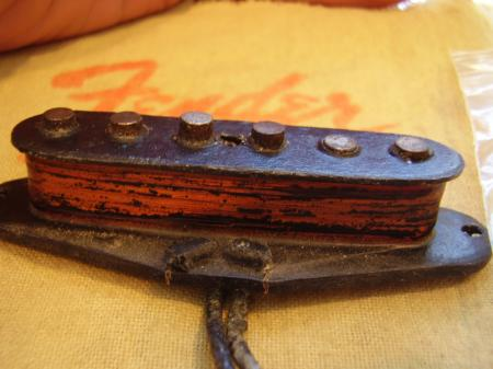 1955 ORIG  FENDER STRAT MIDDLE PICKUP