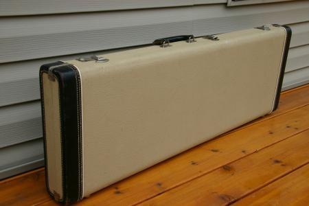 1963 excellent white pre cbs fender stratocaster case