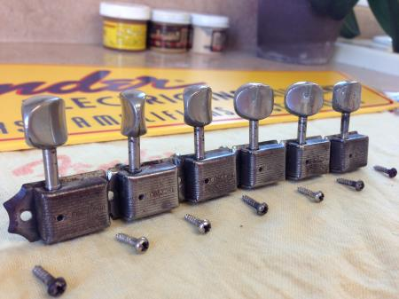 1959 Original Single Line Fender Strat Tuners With Screws
