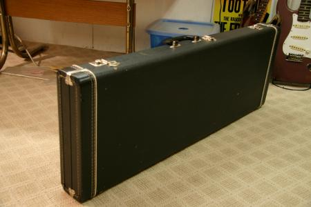 1964 FORM FIT FENDER STRAT CASE