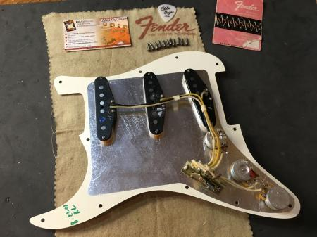 2001 John Cruz Fender Custom Shop Strat Pickup Assembly AS New Shape! Bell Tone City!
