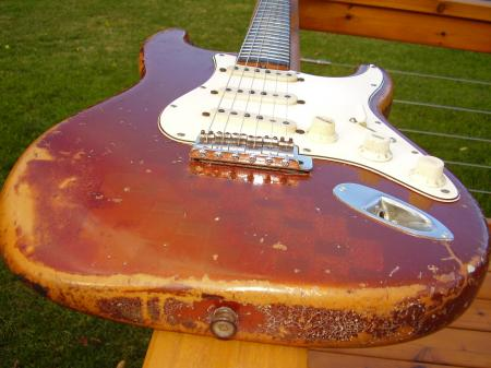 1968 ORIG FINISH FIREMIST GOLD FENDER STRAT BODY *VERY RARE*